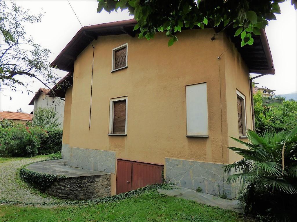 Lake Como Lenno House with garden, garage and terrace