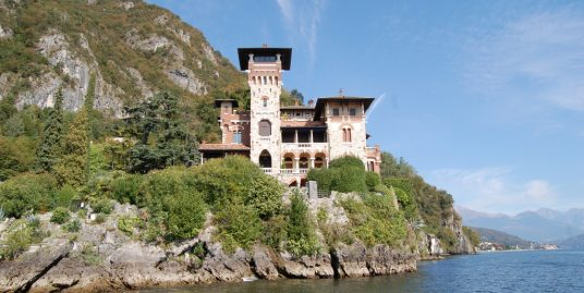 Villa La Gaeta San Siro Lake Como Directly on the lake