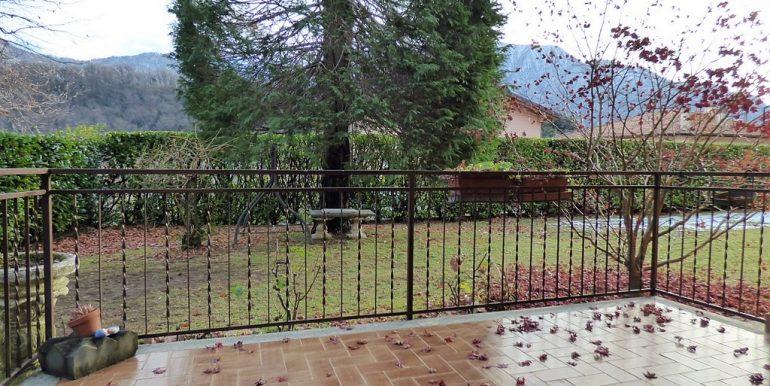Lenno Appartamento con balcone e giardino (12)