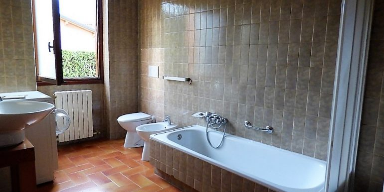 Bathroom - Lenno Apartment with balcony and garden