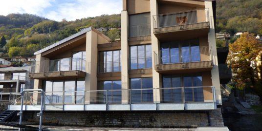 Apartment San Siro front lake with swimming pool
