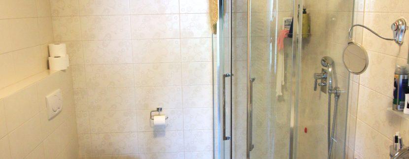 Modern Apartment Menaggio with Lake View   - bathroom