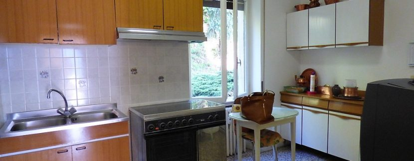 Lake Como - Kitchen