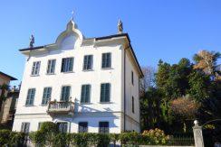 Lake Como Front lake Apartment in period villa