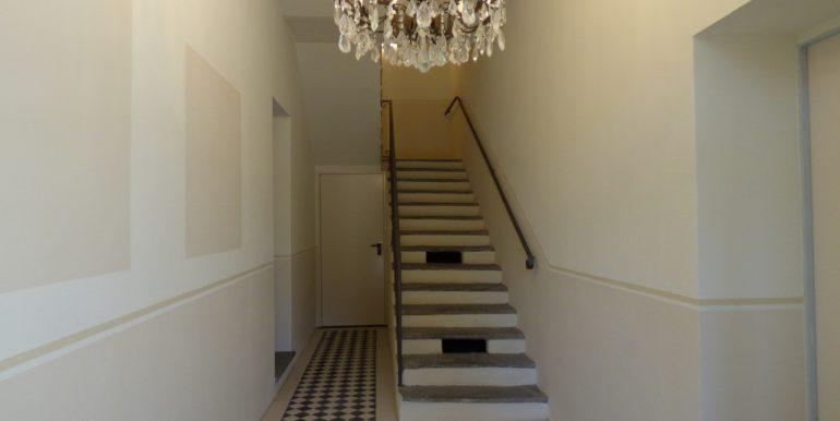 Mezzegra Apartments - staircase