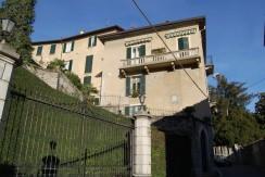 Lake Como Moltrasio Amazing Renovated Apartment with Small Lake View