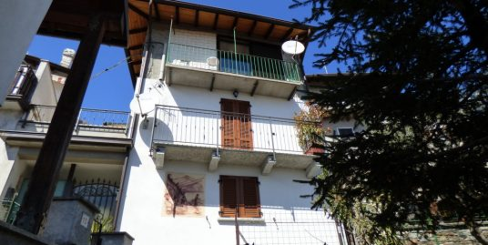 Musso House with Terrace, balcony and lake view