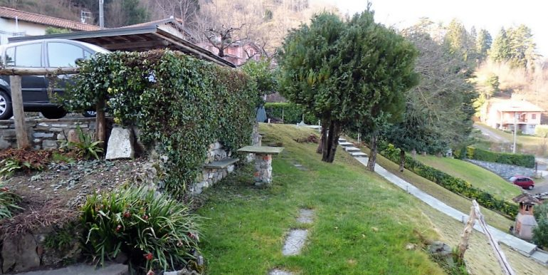House Menaggio with Lake Como view -  garden