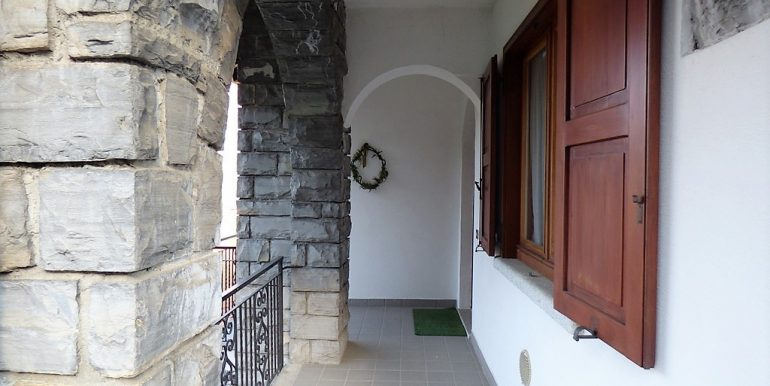 House Menaggio with Lake Como view -entrance