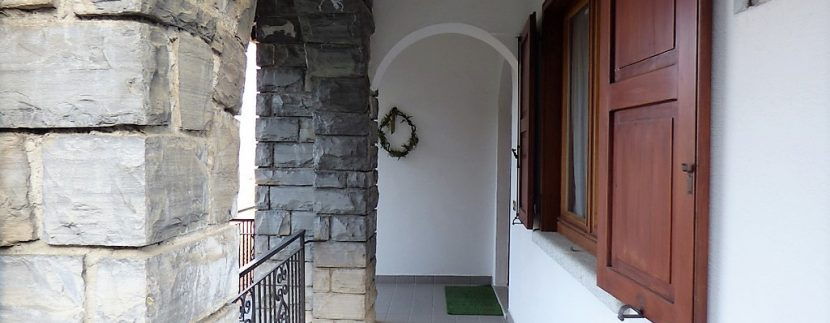 House Menaggio with Lake Como view -entrance