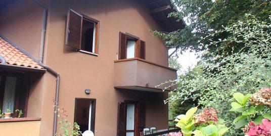 Menaggio Apartment with garden and garage
