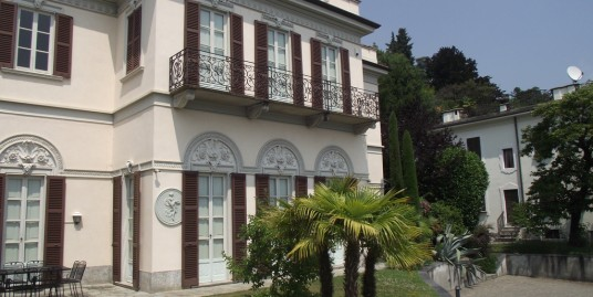 Luxury Villa with Frescoes View Lake Como Griante