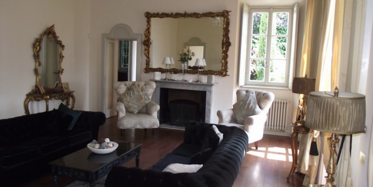 Luxury Villa with Frescoes and View Lake Como Griante