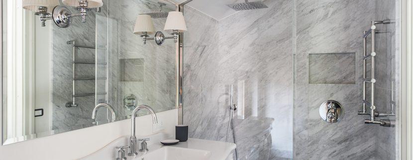 Bathroom in villa Tremezzo
