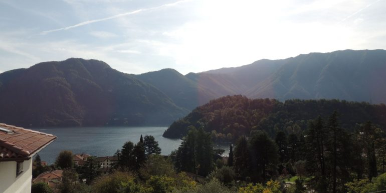 MC063C - Lago Como TRemezzina località Mezzegra villa vista lago (19)