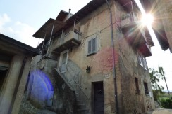 Lake Como Typical Village House to Renovate