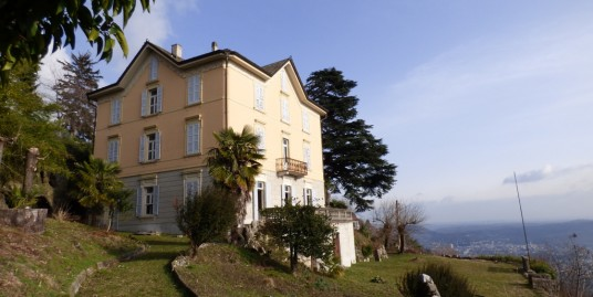 Period Luxury Villa in Como with Lake View
