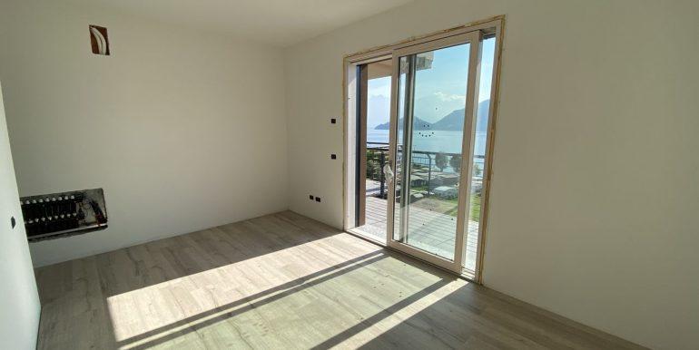 N.5 Apartment Pianello del lario Lake Como with Terrace bedroom