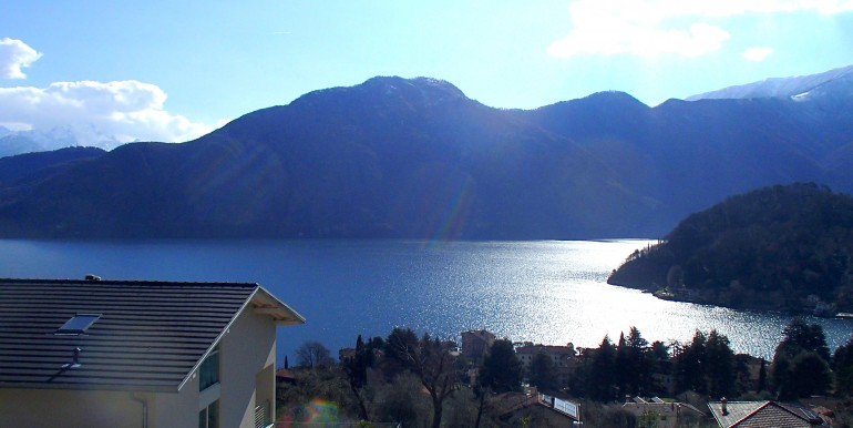 Lake Como Mezzegra Detached Villa in Dominant Position with Pool