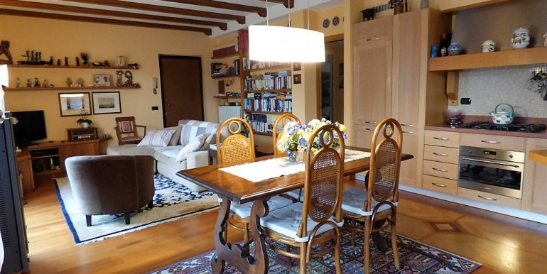 Kitchen and Living room - Argegno