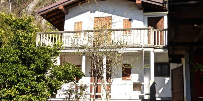 Independent Properties Dervio Lake Como with access to the beach