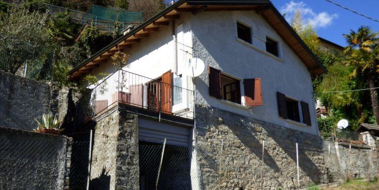Laglio Detached House - with garage for motorbikes