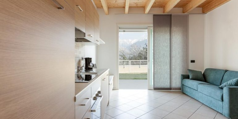 Lake Como Gera Lario Apartment with Swimming Pool - living