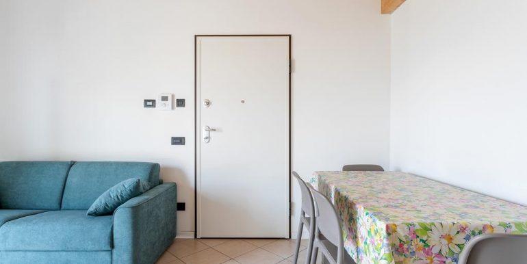 Lake Como Gera Lario Apartment with Swimming Pool - entrance