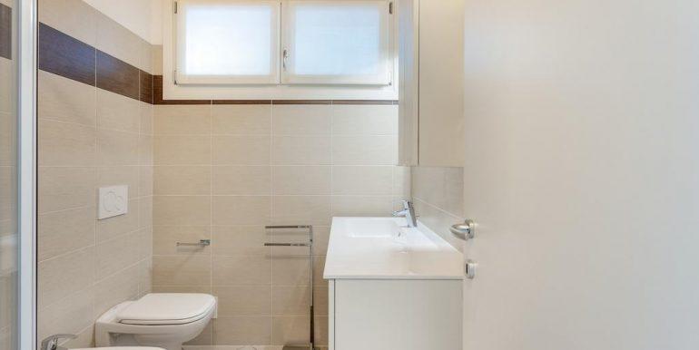Lake Como Gera Lario Apartment with Swimming Pool - bathroom