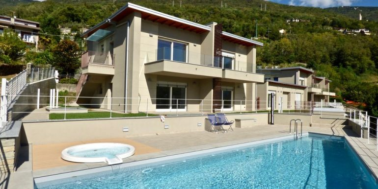 Lake Como Gera Lario Apartment with Swimming Pool - sunny