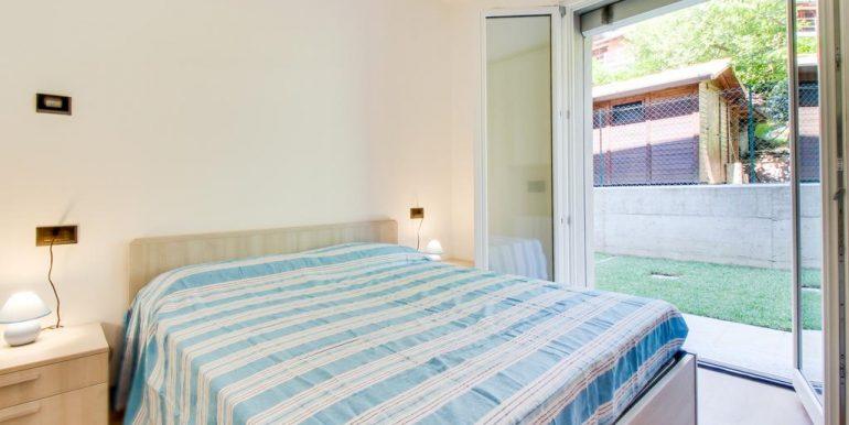 Apartment Lake Como Gera Lario  . bedroom