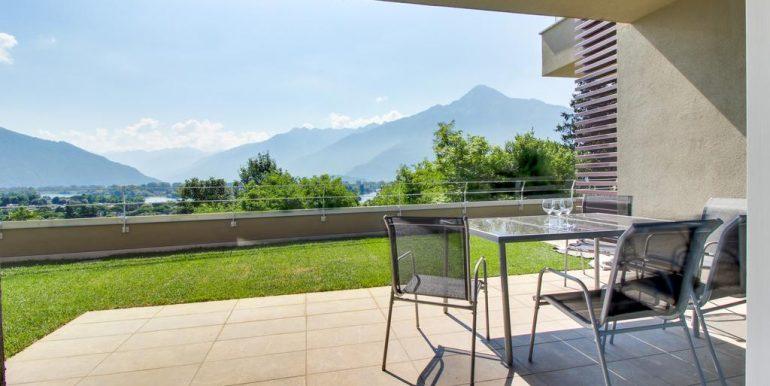Apartment Lake Como Gera Lario  - porch