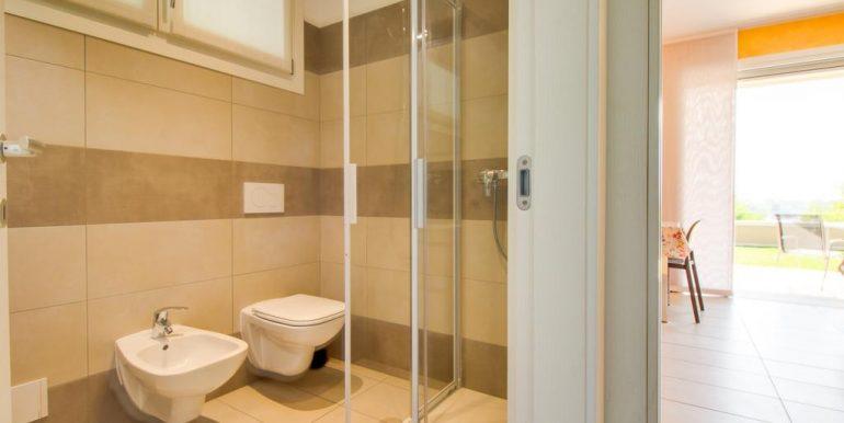 Apartment Lake Como Gera Lario  - bathroom