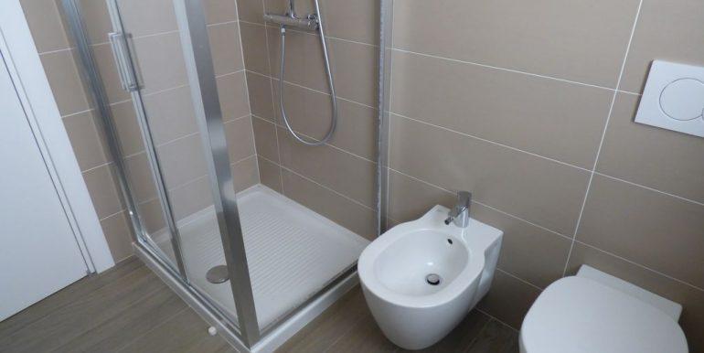 Ossuccio Apartments - bathroom