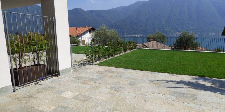 Ossuccio Apartments terrace