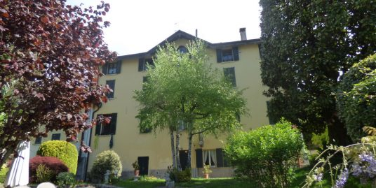 Apartment Tremezzina in period house with garden