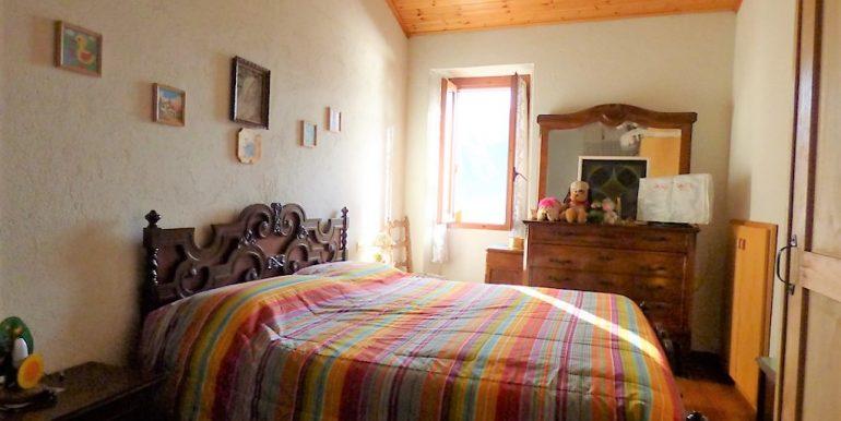 House 1 - Lake Como house - bedroom