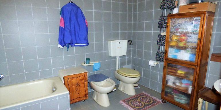 House 1 - San Siro lake como bathroom