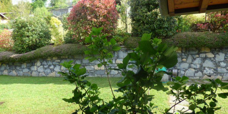 Garden-  Castiglione D'Intelvi Villa with garden
