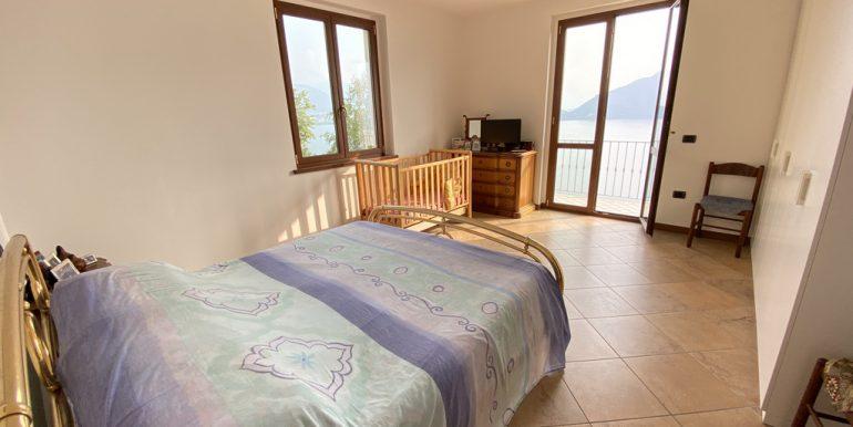 Rid. Foto Pianello del Lario vista lago (9)