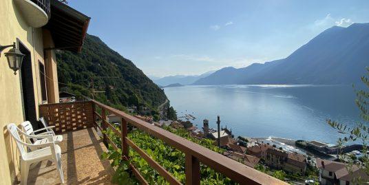 Apartment Lake Como Argegno with garden