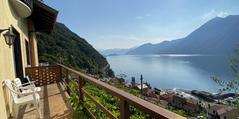 Rid. Lago Como Argegno proprietà vista lago (18)
