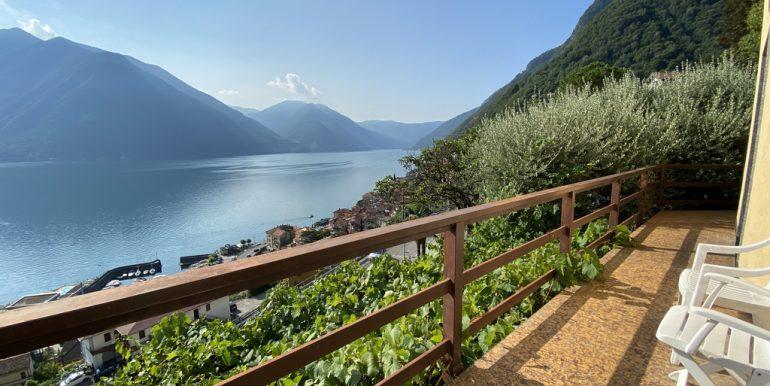 Rid. Lago Como Argegno proprietà vista lago (19)