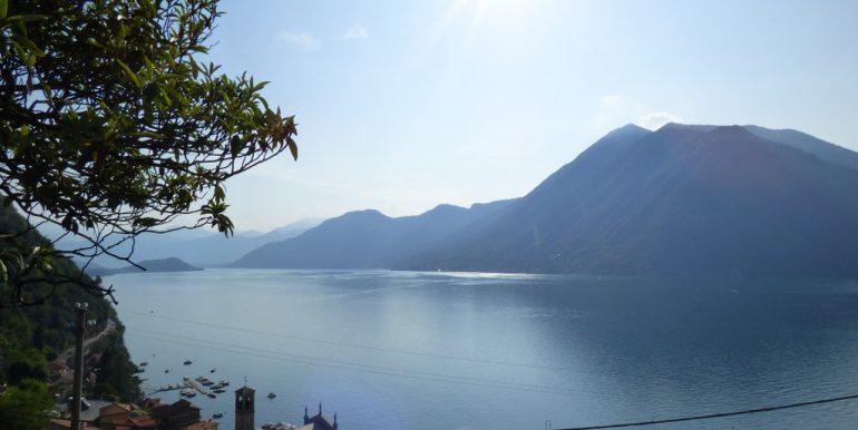 Rid. Lago Como Argegno proprietà vista lago (26)