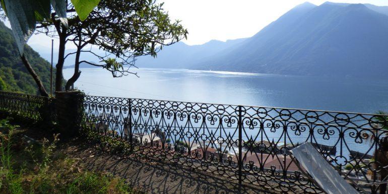 Rid. Lago Como Argegno proprietà vista lago (28)
