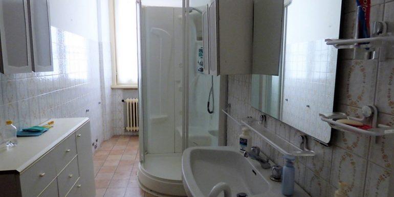 Lake Como Griante Front lake - bathroom