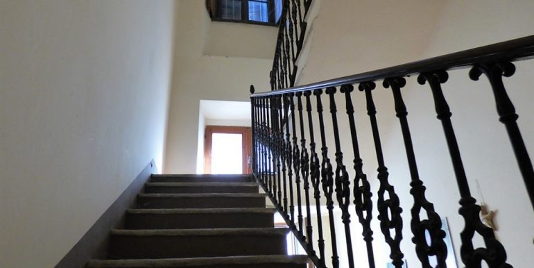 Staircase - Apartment Griante