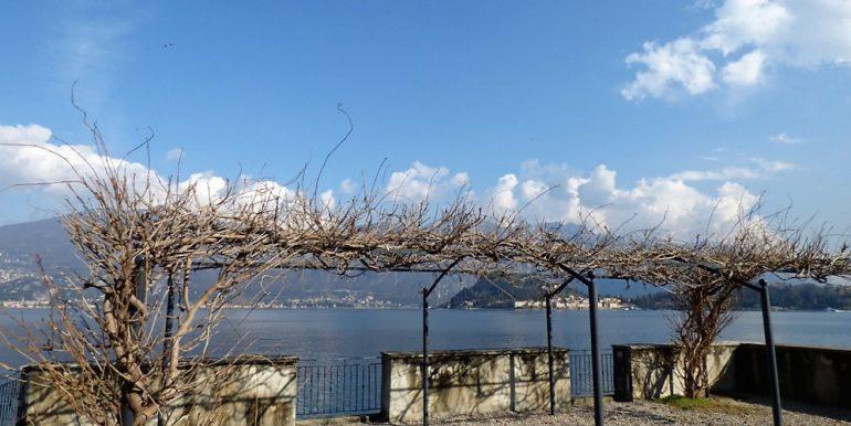Lake view - front lake