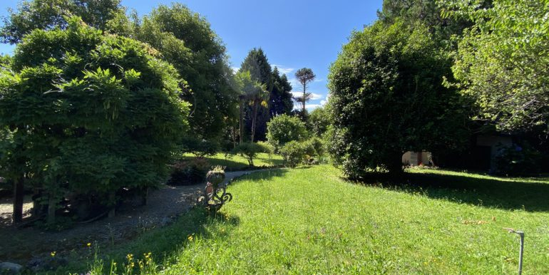 Rid. Lago Como Menaggio Villa con giardino (14)