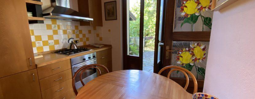 Rid. Lago Como Menaggio Villa con giardino (34)